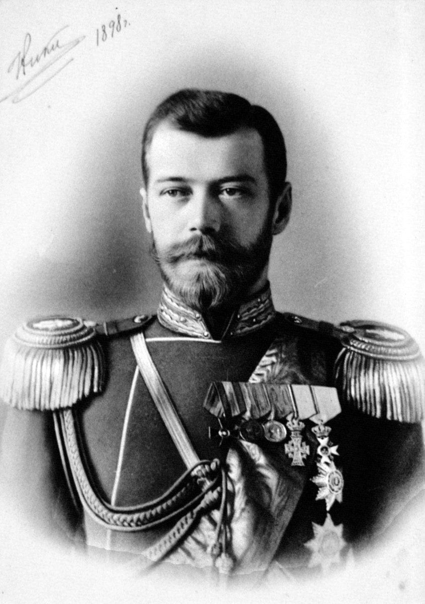 tsar_nicholas_ii_1898_by-a-a-pasetti-public-domain-via-wikimedia-commons